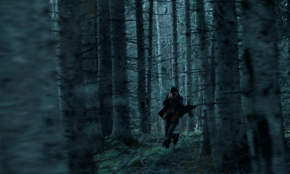 9.5. 2017 ŠKODA Karoq se skrývá v lesích